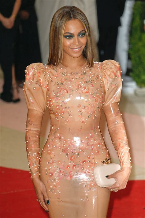 Met Gala 2016: Beyoncé in Givenchy Couture | Tom + Lorenzo