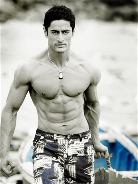 Here's how you can get 6-pack abs! - Rediff Getahead